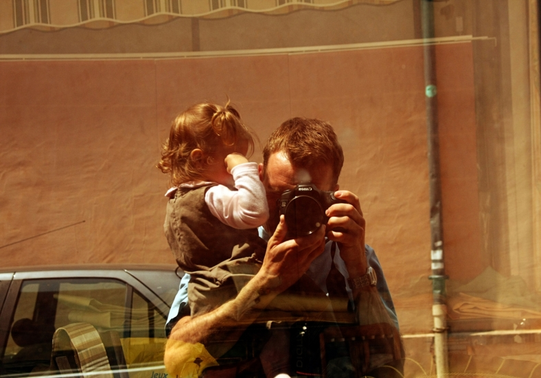 photographer and child